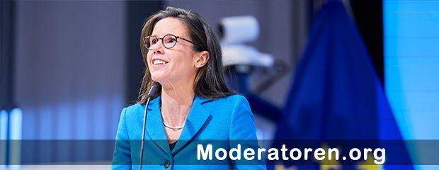 Hybrid Event Moderatorin Corinna Egerer Moderatoren.org