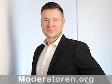 Moderator Nikolai Hoppensack Moderatoren.org